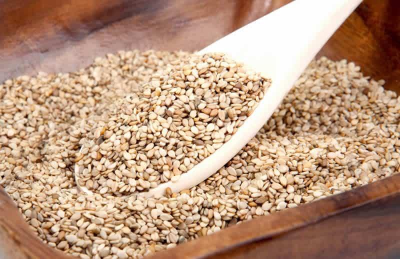 Es conveniente que comiences a usar el Ajonjolí en tu día a día. Esta semilla representa una cantidad de proteínas que van a fortalecer tu cuerpo. Limpian la sangre, ayudan a la digestión
